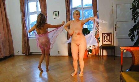 ブルネットbusty女の子と大きなお尻弄のロッカールーム jk セーラー服 セックス